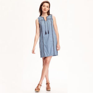 OLD NAVY chambray embroidered tassel dress P5